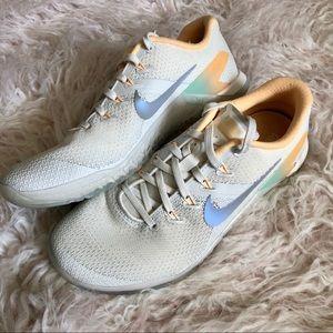 Sz 8.5 Nike Metcon 4 Rise Shoe